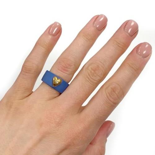 Maži dalykai. Mėlyno porceliano žiedas su auksine širdimi